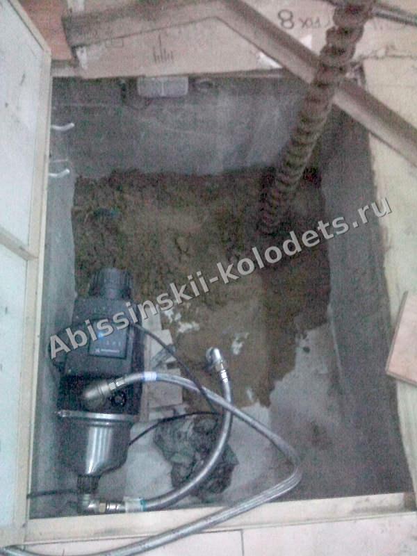 Насосная станция для абиссинского колодца в подвале, лето 2016